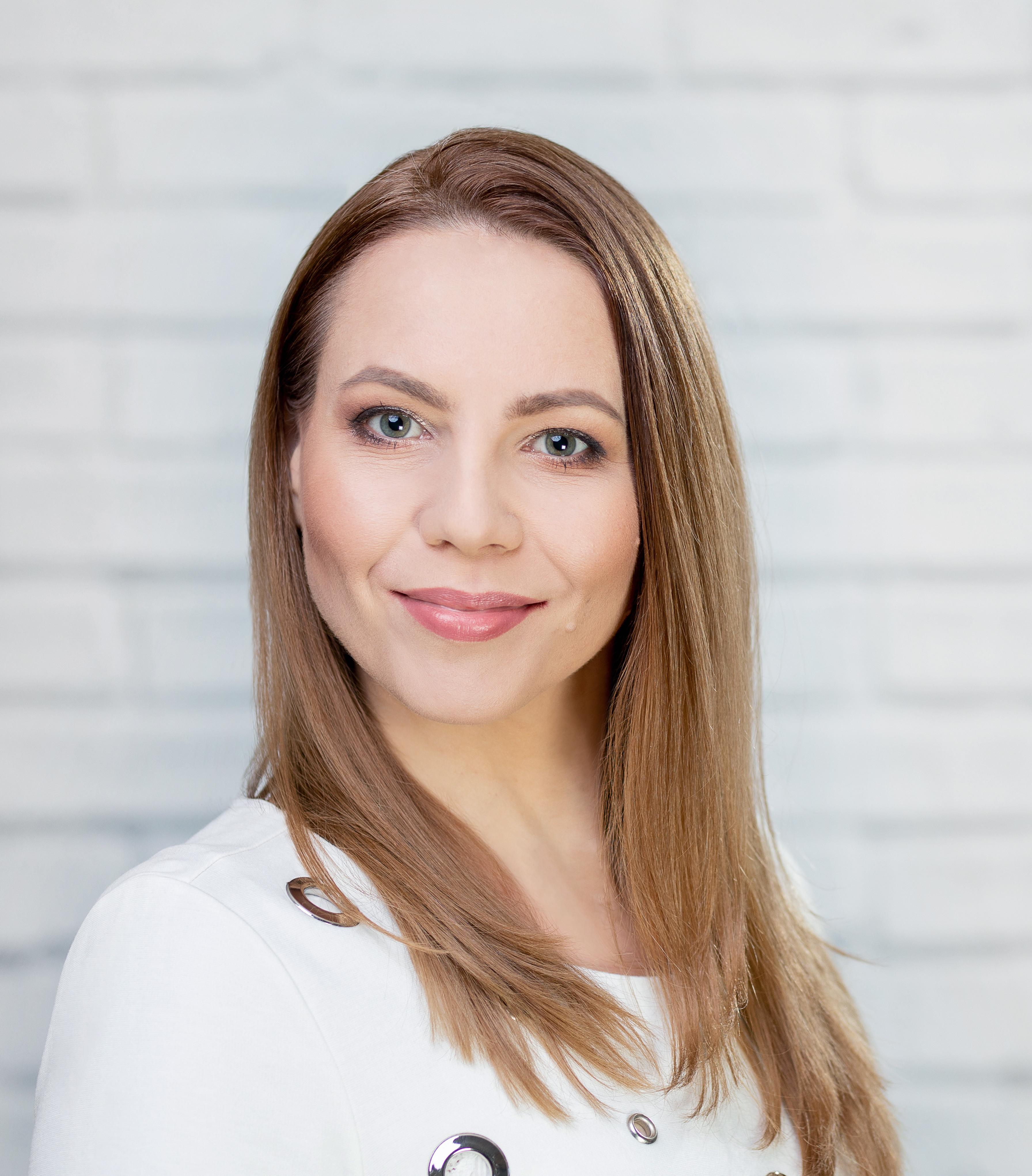Адриана Шредер